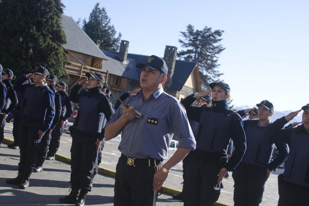 Resultado de imagen para policias retirados en Rio Negro