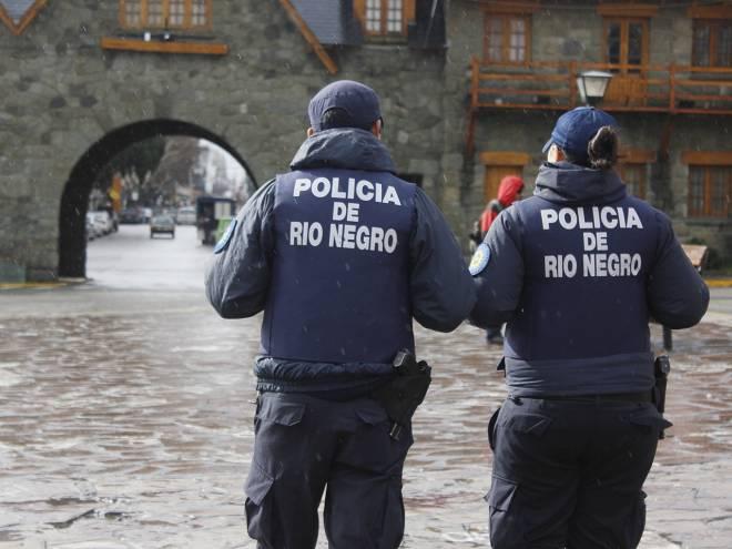 Resultado de imagen para policia rio negro en accion