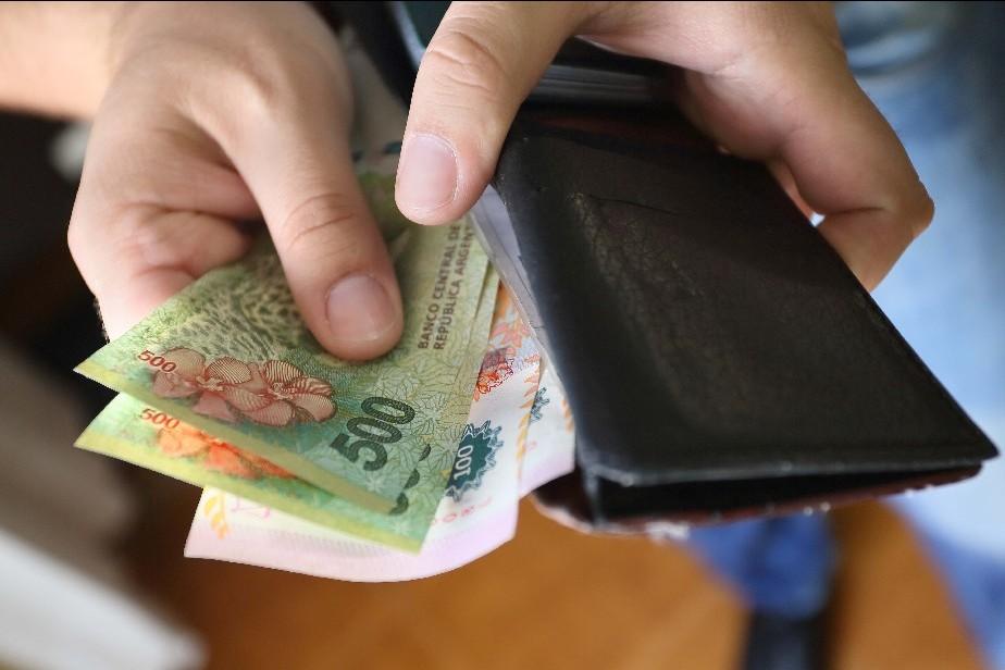 El salario mínimo cayó 28% en tres años en Argentina