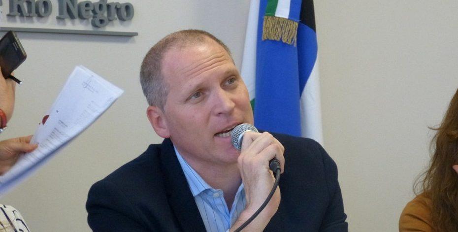 Vazzana ganó y celebra el FPV — Elecciones en Regina