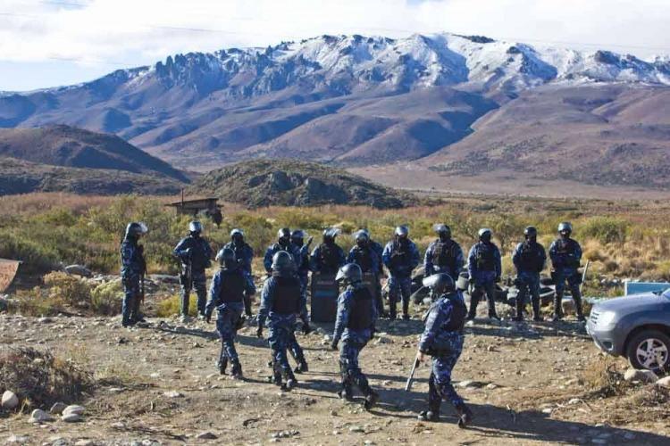 Los mapuches tomaron el juzgado de Otranto con él adentro — Maldonado