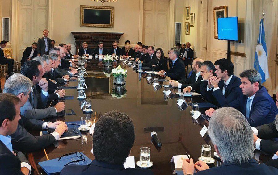 Resultado de imagen para Los puntos centrales del acuerdo fiscal que Macri firmó con las provincias