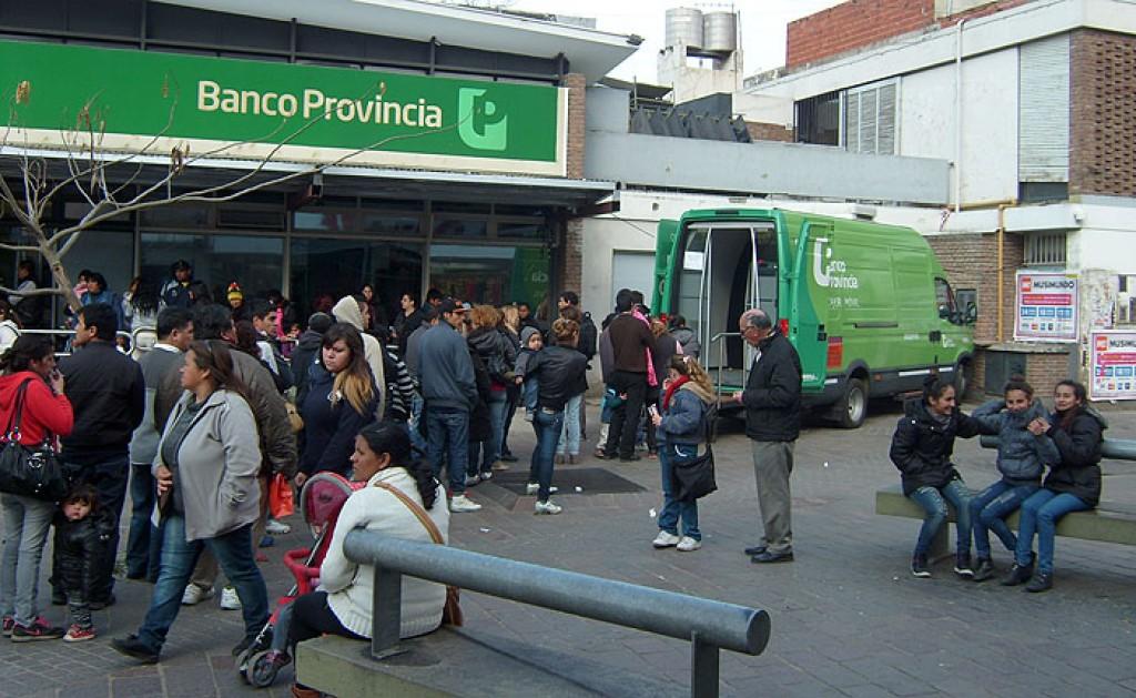 Paro de empleados del Banco Provincia — Jubilaciones